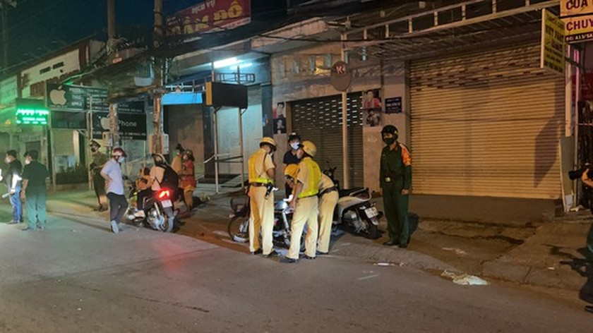 Armed forces open patrol to control Covid-19 pandemic in HCMC   ảnh 9