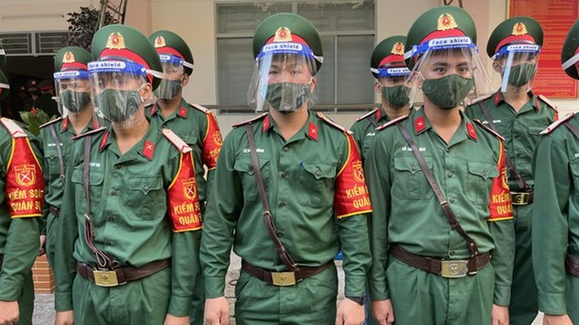 Armed forces open patrol to control Covid-19 pandemic in HCMC   ảnh 2