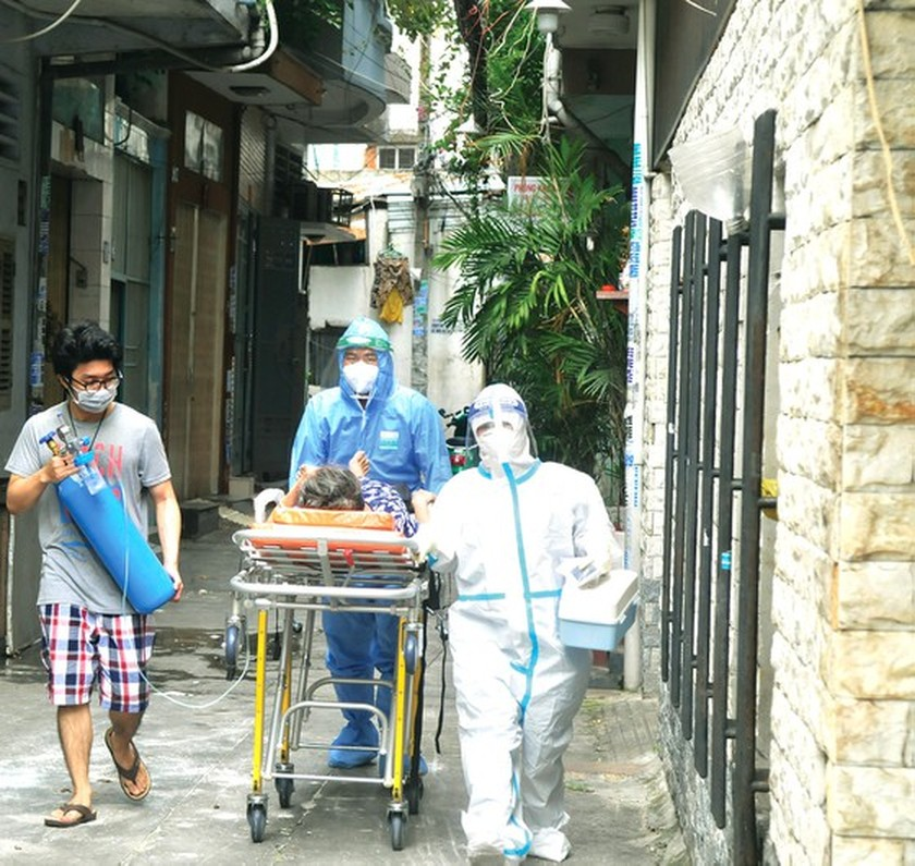HCMC residents wholeheartedly joining hands in Covid-19 fight ảnh 5