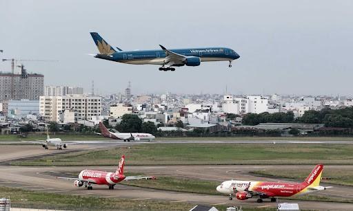 CAAV asks airlines to halt selling domestic flight tickets ảnh 1