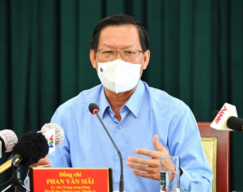 HCMC Chairman talks to residents about orientations after September 15 ảnh 1