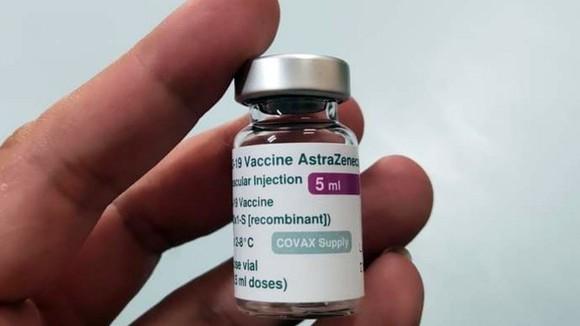 HCMC proposes to shorten second routine shots of AstraZeneca vaccine ảnh 1