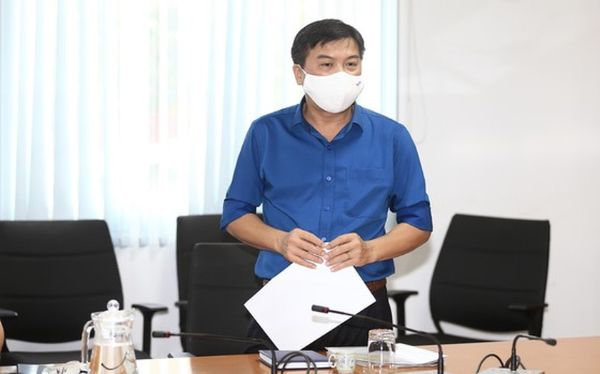 City leader visits, encourages SGGP Newspaper's Covid-19 infectious reporters  ảnh 2