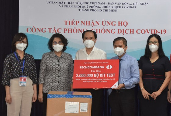 Ho Chi Minh City receives four million Covid-19 antigen rapid test kits ảnh 2