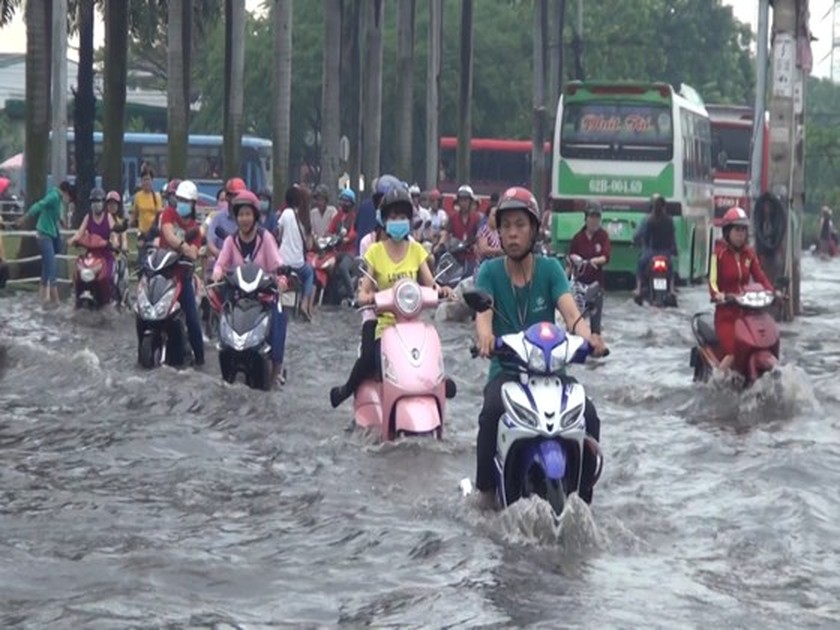 Culvert system seems ineffective in coping with flooding in HCMC ảnh 1