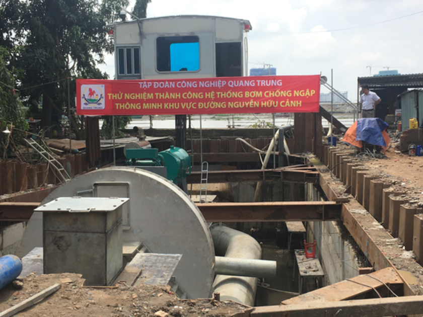 Smart pumping system starts trial run to cope with street flooding ảnh 1