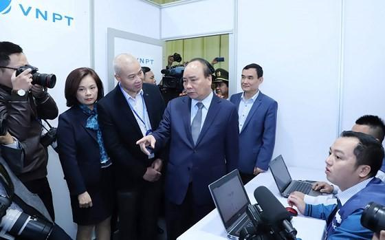 Prime Minister inspects media center serving DPRK-USA Hanoi Summit ảnh 7