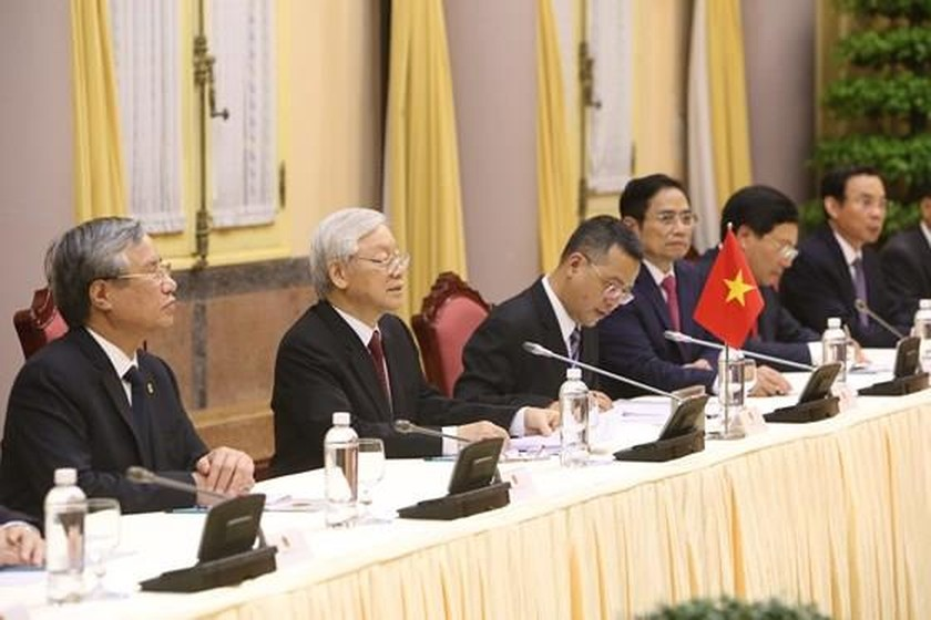 Top leader welcomes, holds talks with DPRK Chairman ảnh 12