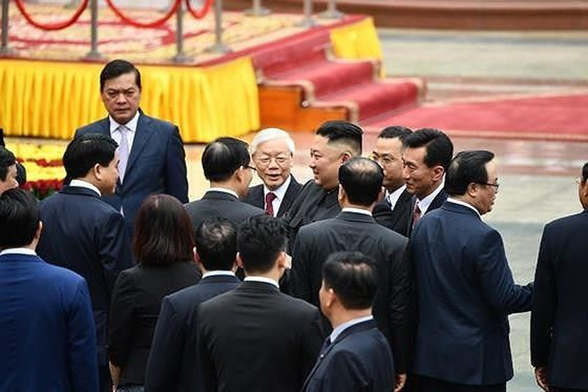 Top leader welcomes, holds talks with DPRK Chairman ảnh 1