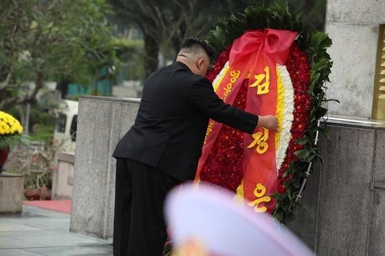 DPRK Chairman Kim Jong-un leaves Hanoi ảnh 13