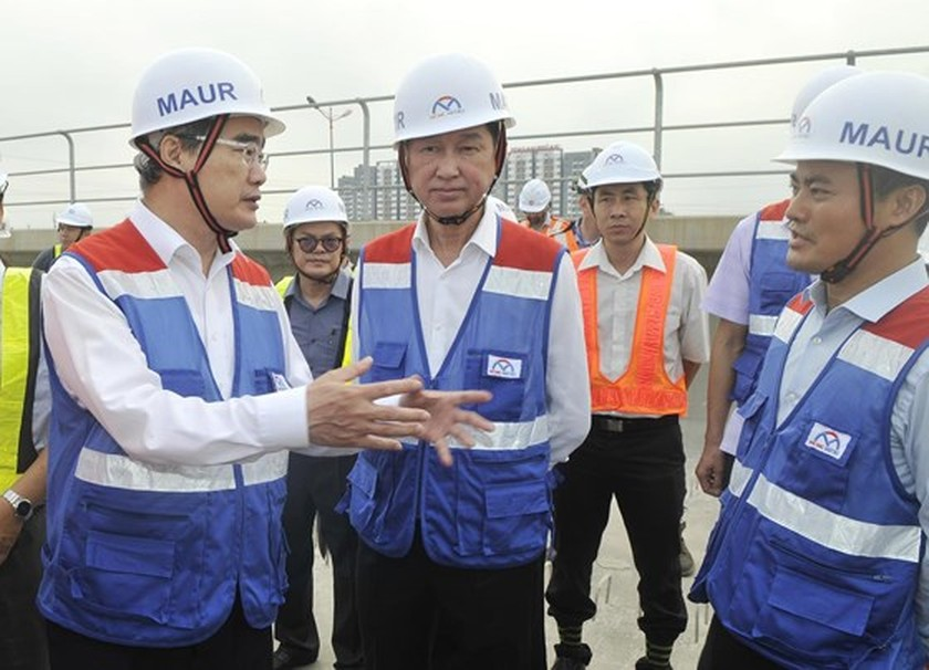HCMC Party Chief inspects first metro line construction site ảnh 2
