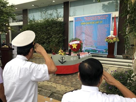 Ceremony commemorates fallen soldiers in Gac Ma battle ảnh 13