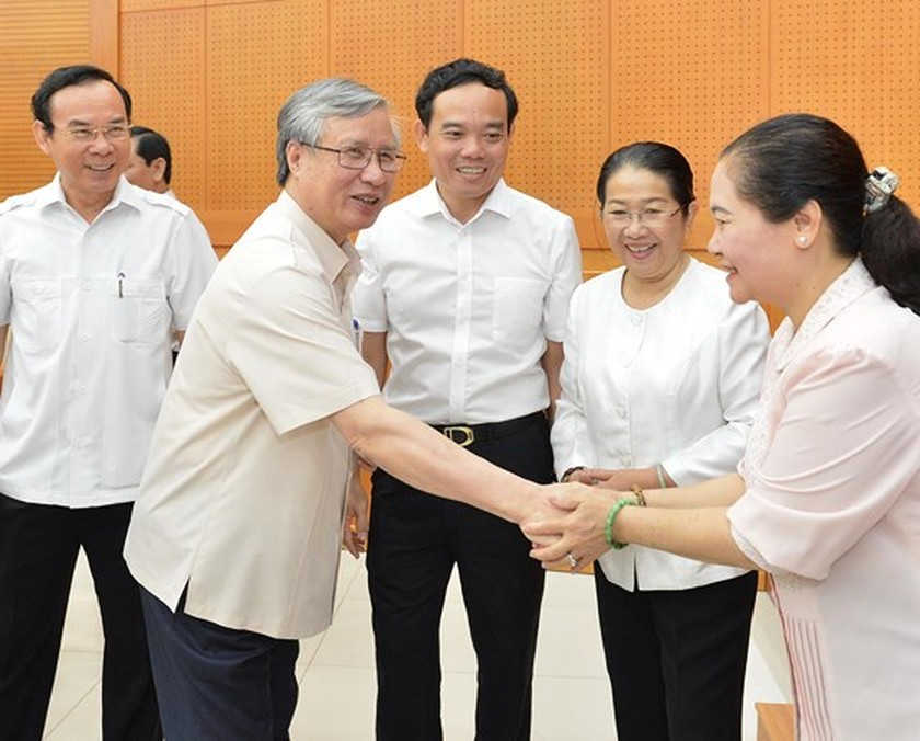 HCMC should have policies to attract large private firms: Party official ảnh 4