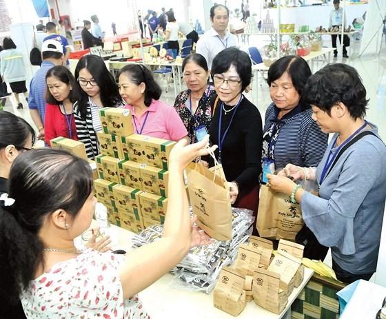 Plastic waste elimination efforts underway in Vietnam ảnh 3