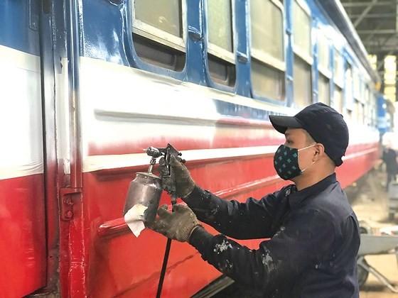 Vietnam railway runs outdated ảnh 5