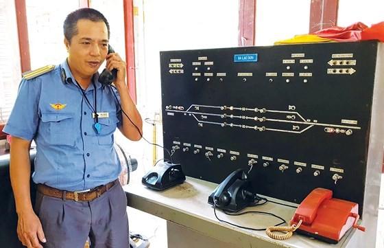 Vietnam railway runs outdated ảnh 6