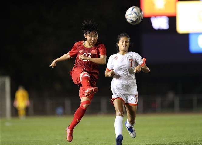 Vietnam women enter SEA Games football's final ảnh 7