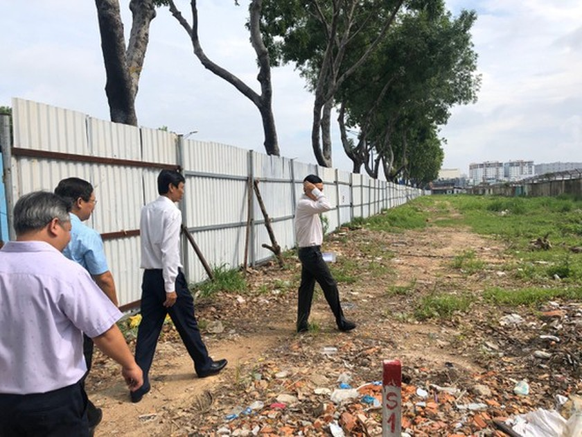 First district hands over premise for second metro line project ảnh 2