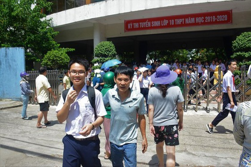 All students in Da Nang leave school to prevent Covid-19 outbreaks ảnh 1