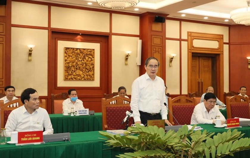 Party leader approves HCMC's preparations for 11th municipal Party Congress ảnh 4