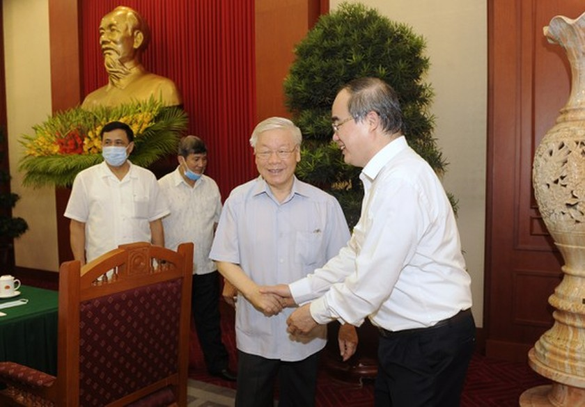Party leader approves HCMC's preparations for 11th municipal Party Congress ảnh 2