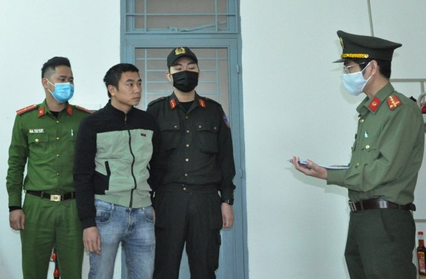 Two men arrested for smuggling Chinese immigrants into Vietnam ảnh 2