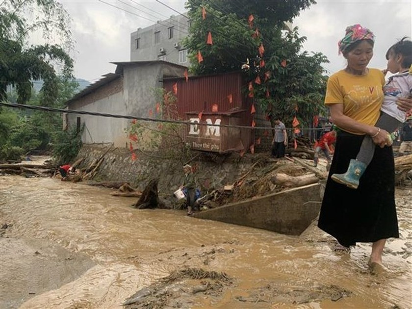 PM requests efforts to deal with floods in northern mountainous region ảnh 1