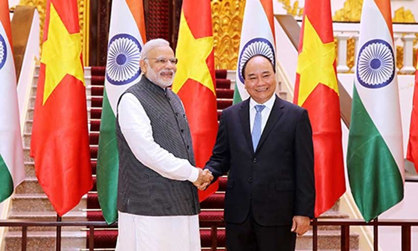 India favors closer cooperation with Vietnam ảnh 1