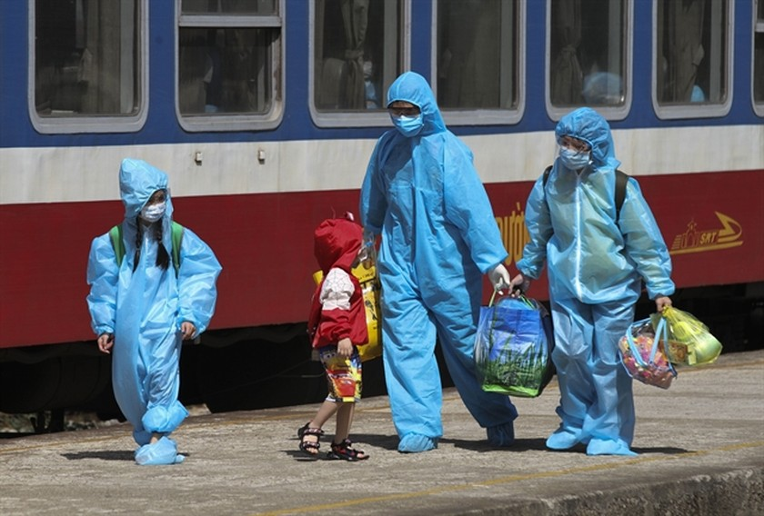HCMC, southern region lockdown extended by two weeks amid soaring Covid-19 cases ảnh 2