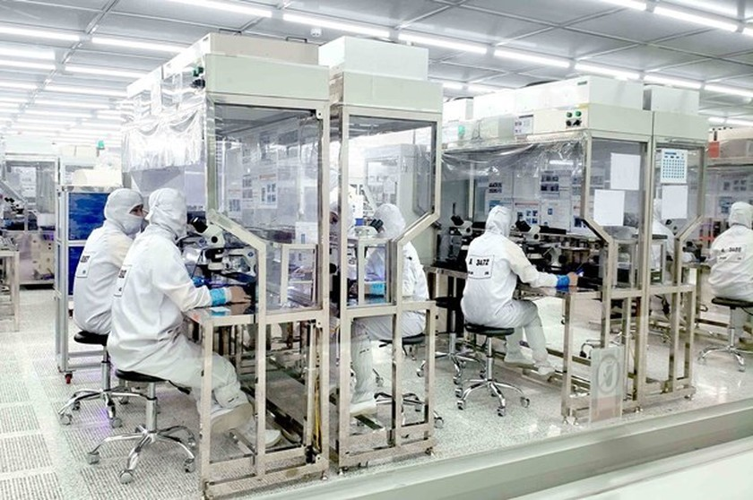 Vietnam's overseas investment soars 74 percent in eight months ảnh 1