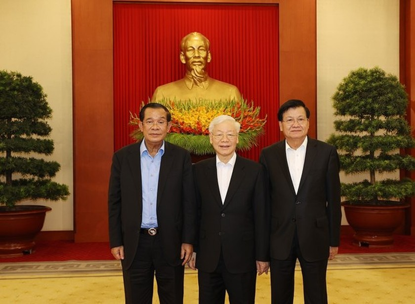 Vietnamese, Cambodian, Lao top leaders discuss cooperation orientations ảnh 1