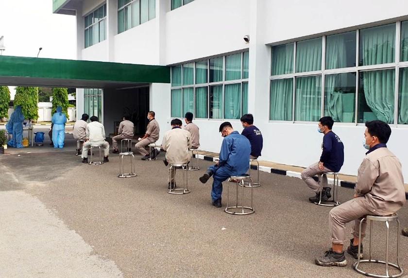 Gần 23.000 công nhân ở Bình Dương, TPHCM tạm nghỉ việc ảnh 1