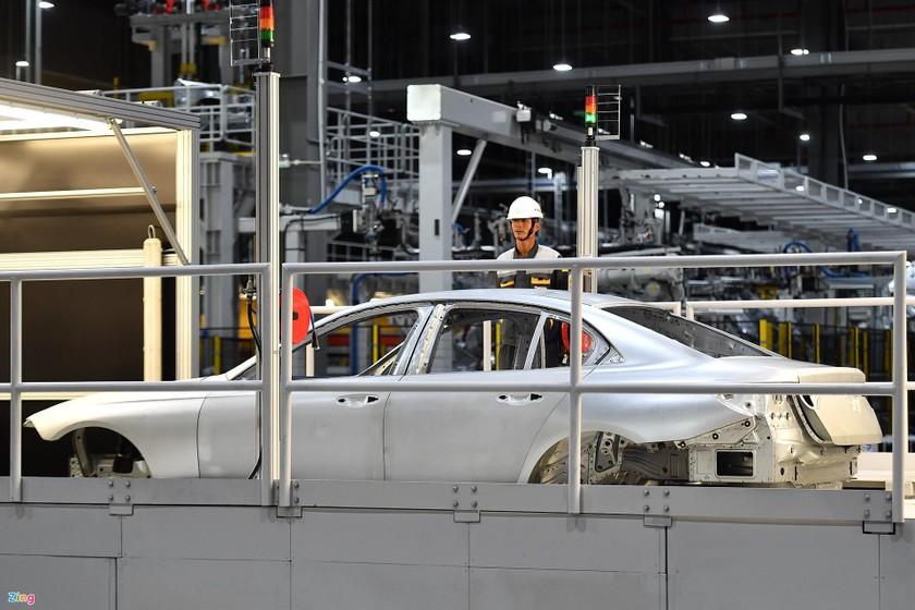 Ông Phạm Nhật Vượng: Xe điện VinFast sẽ không kém gì Tesla ảnh 1