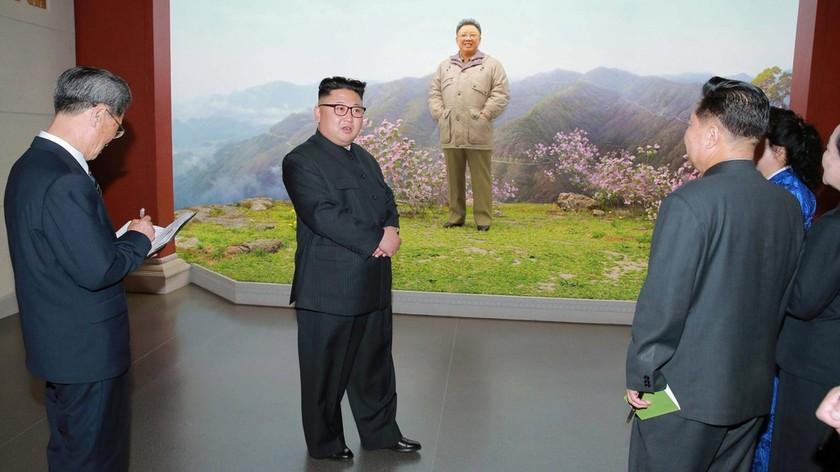 Nha lanh dao Trieu Tien Kim Jong Un bat ngo xuat hien hinh anh 3 KJU_5.jpg