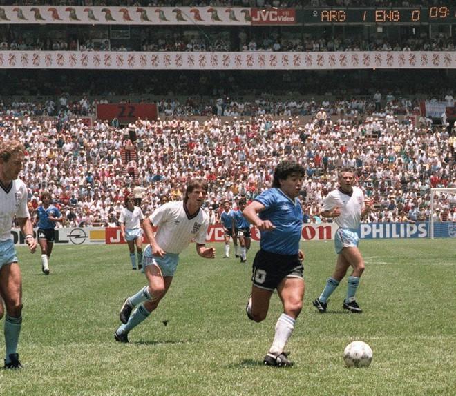 Vua bóng đá Pele sốc khi 'đối thủ' vĩ đại Maradona vĩnh viễn ra đi - ảnh 2