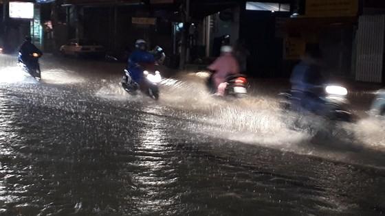 Heavy rain floods Dalat City   ảnh 1