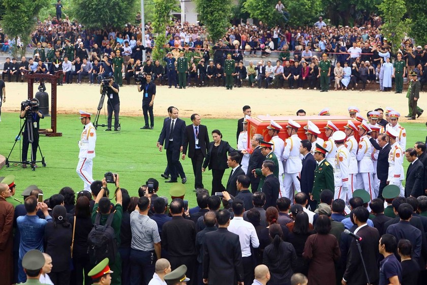 President Tran Dai Quang laid to rest in hometown ảnh 2