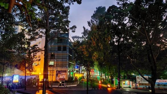 Hồ Con Rùa thành phố đi bộ, đường Nguyễn Thượng Hiền thành phố ăn vặt - Ảnh 2.