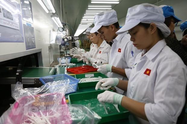 HSBC du bao tang truong GDP Viet Nam dat 7,6% trong nam 2021 hinh anh 1