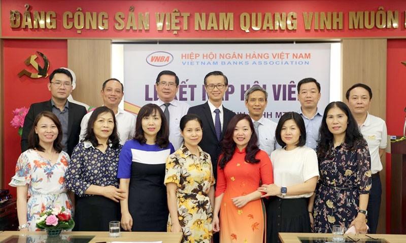 FE CREDIT trở thành hội viên Hiệp hội Ngân hàng Việt Nam ảnh 1