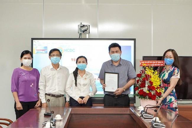 Hưng Thịnh trao tặng 2 tỷ đồng cho HCDC phòng, chống dịch Covid-19 ảnh 2
