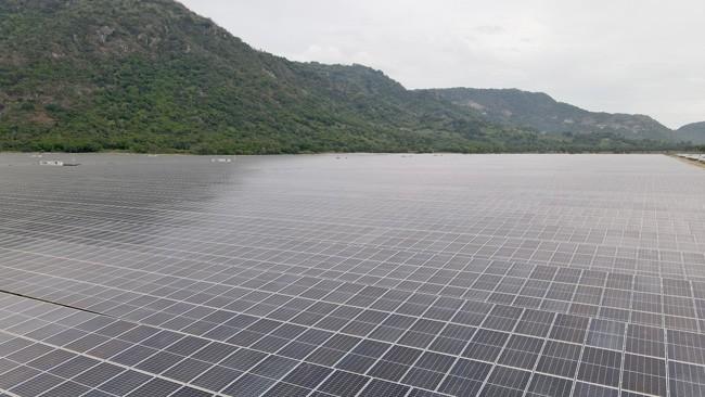 Hoàn thành Nhà máy điện mặt trời Sao Mai-An Giang hơn 6.000 tỷ đồng ảnh 1