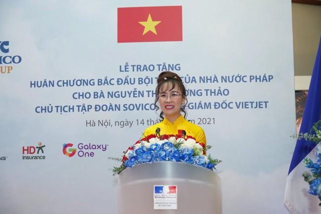 Bà Nguyễn Thị Phương Thảo nhận Huân chương Bắc đẩu bội tinh của Pháp ảnh 1