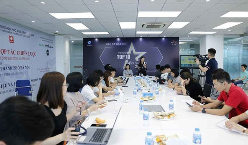 Vietnam TOP-10 ICT Businesses 2021 officially kicked off ảnh 1