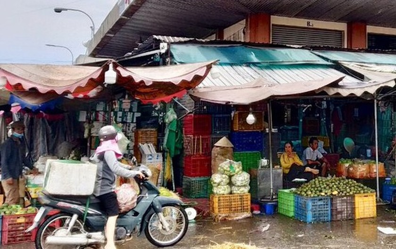Hoc Mon wholesale market starts operating transshipment point today ảnh 1