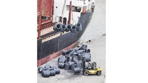 Imported steel floods into Vietnam ảnh 1