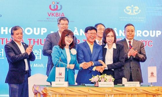 Overseas remittances to HCMC reach US$4 billion in nine months ảnh 1