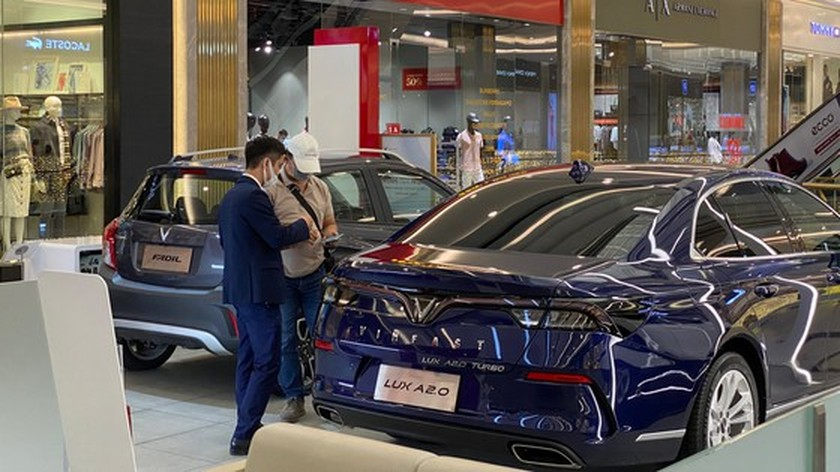 Automotive market enters year-end sales ảnh 1