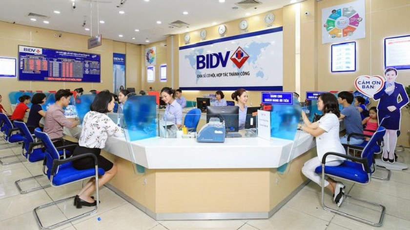 Banks report huge profits ảnh 2