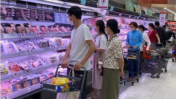 Ministry orders close monitoring on market developments  ảnh 1